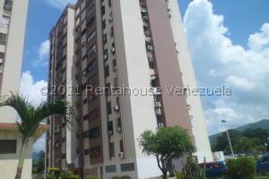 Apartamento En Ventaen Municipio Naguanagua, Casco Central, Venezuela, VE RAH: 22-7393
