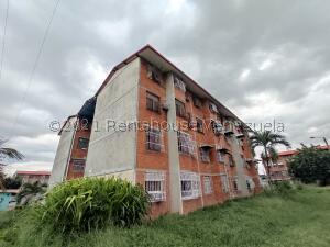 Apartamento En Ventaen Maracay, Madre Maria, Venezuela, VE RAH: 22-7448
