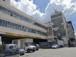 Galpon - Deposito En Alquileren Caracas, Guaicay, Venezuela, VE RAH: 22-7461