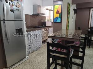 Apartamento En Ventaen Los Teques, Los Teques, Venezuela, VE RAH: 22-7463