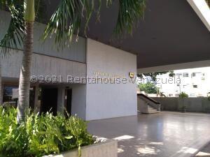 Oficina En Alquileren Maracaibo, Avenida El Milagro, Venezuela, VE RAH: 22-7500