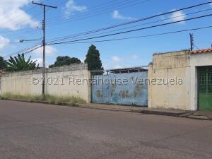 Terreno En Ventaen Calabozo, Casco Central, Venezuela, VE RAH: 22-7527