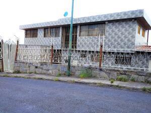 Casa En Ventaen Caracas, El Marques, Venezuela, VE RAH: 22-7540
