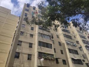 Apartamento En Ventaen Los Teques, Simon Bolivar, Venezuela, VE RAH: 22-7558