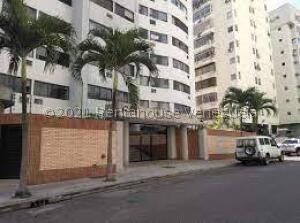 Apartamento En Alquileren Valencia, Prebo I, Venezuela, VE RAH: 22-7575