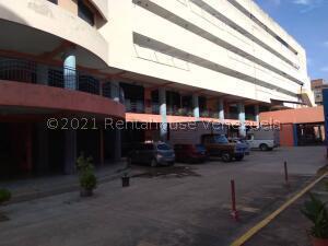 Apartamento En Ventaen Municipio Naguanagua, Casco Central, Venezuela, VE RAH: 22-8547