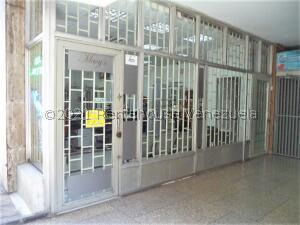 Local Comercial En Alquileren Caracas, Parroquia La Candelaria, Venezuela, VE RAH: 22-7591
