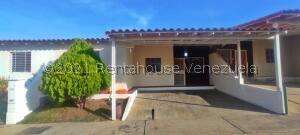 Casa En Ventaen Cabudare, Parroquia José Gregorio, Venezuela, VE RAH: 22-7603