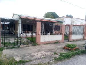 Casa En Ventaen Valencia, Michelena, Venezuela, VE RAH: 22-7642