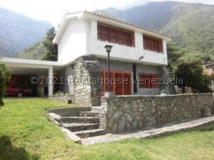 Casa En Ventaen La Puerta, Via Principal, Venezuela, VE RAH: 22-7667