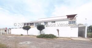 Apartamento En Ventaen Maracaibo, Los Olivos, Venezuela, VE RAH: 22-7672