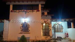 Townhouse En Ventaen Margarita, Pampatar, Venezuela, VE RAH: 22-7698