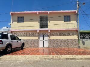 Casa En Ventaen Punto Fijo, Punto Fijo, Venezuela, VE RAH: 22-7716