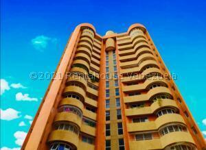 Apartamento En Ventaen Maracaibo, La Lago, Venezuela, VE RAH: 22-7714