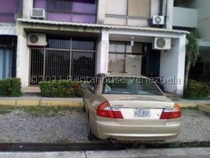 Apartamento En Ventaen Higuerote, Agua Sal, Venezuela, VE RAH: 22-7734