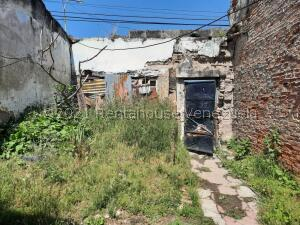 Terreno En Ventaen Maracay, Avenida Fuerzas Aereas, Venezuela, VE RAH: 22-8086