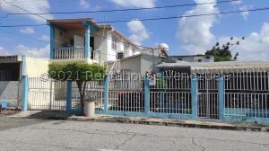 Casa En Ventaen Maracay, Los Samanes, Venezuela, VE RAH: 22-7874