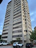 Apartamento En Ventaen Maracaibo, Primero De Mayo, Venezuela, VE RAH: 22-7759