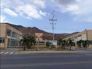 Local Comercial En Ventaen Guacara, La Floresta, Venezuela, VE RAH: 22-7773