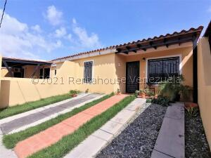 Casa En Ventaen Cabudare, El Amanecer, Venezuela, VE RAH: 22-7781