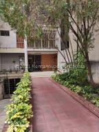 Apartamento En Ventaen Caracas, Parroquia Santa Teresa, Venezuela, VE RAH: 22-7810
