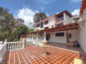 Casa En Ventaen San Antonio De Los Altos, Los Castores, Venezuela, VE RAH: 22-7900