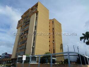 Apartamento En Ventaen Cabudare, Centro, Venezuela, VE RAH: 22-7822