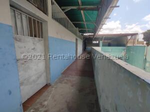 Edificio En Ventaen Barquisimeto, Centro, Venezuela, VE RAH: 22-7811
