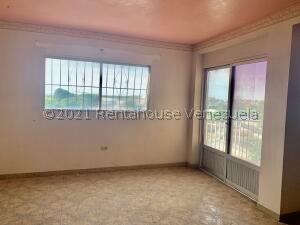 Apartamento En Ventaen Punto Fijo, Centro, Venezuela, VE RAH: 22-7816