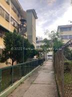 Apartamento En Ventaen Caracas, El Valle, Venezuela, VE RAH: 22-8362