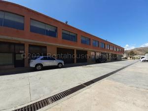 Galpon - Deposito En Ventaen Municipio Los Guayos, Los Guayos, Venezuela, VE RAH: 22-7862