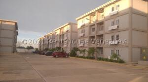 Apartamento En Ventaen Maracaibo, La Rotaria, Venezuela, VE RAH: 22-7911