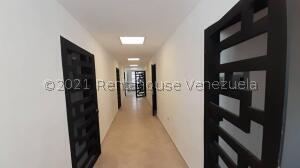 Local Comercial En Alquileren Barquisimeto, Avenida Libertador, Venezuela, VE RAH: 22-7938