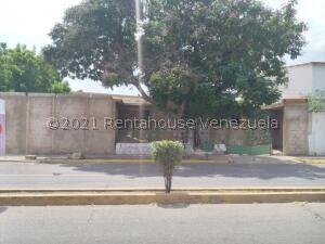 Local Comercial En Ventaen Coro, Centro, Venezuela, VE RAH: 22-7990