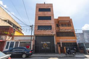 Local Comercial En Ventaen Caracas, Catia, Venezuela, VE RAH: 22-7995