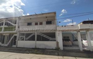 Casa En Ventaen Municipio San Diego, Monteserino, Venezuela, VE RAH: 22-8004