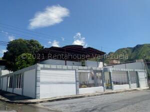 Casa En Ventaen Maracay, Barrio Sucre, Venezuela, VE RAH: 22-8046