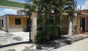 Casa En Ventaen Guacara, La Floresta, Venezuela, VE RAH: 22-8034