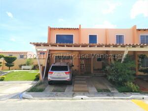 Casa En Ventaen Cabudare, Parroquia José Gregorio, Venezuela, VE RAH: 22-8179