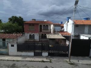 Casa En Ventaen Cabudare, La Mata, Venezuela, VE RAH: 22-8053