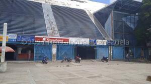 Local Comercial En Ventaen Caracas, Caricuao, Venezuela, VE RAH: 22-8164