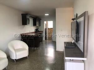Apartamento En Ventaen Caracas, Caricuao, Venezuela, VE RAH: 22-8170