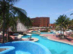 Apartamento En Ventaen Tucacas, Tucacas, Venezuela, VE RAH: 22-8174