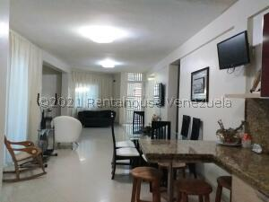 Casa En Ventaen Coro, Sector Independencia, Venezuela, VE RAH: 22-8178