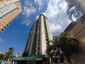 Apartamento En Ventaen Valencia, Los Mangos, Venezuela, VE RAH: 22-8667