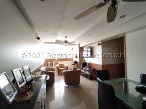 Apartamento En Ventaen Maracay, Zona Centro, Venezuela, VE RAH: 22-8366