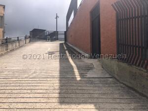 Local Comercial En Ventaen San Antonio De Los Altos, Las Minas, Venezuela, VE RAH: 22-8374