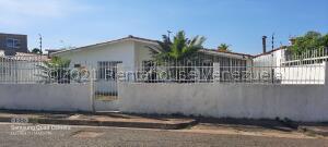 Casa En Ventaen Puerto Ordaz, Villa Alianza, Venezuela, VE RAH: 22-8245