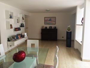 Casa En Ventaen Caracas, La Trinidad, Venezuela, VE RAH: 22-8250