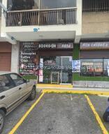 Local Comercial En Alquileren Caracas, Los Chaguaramos, Venezuela, VE RAH: 22-8257